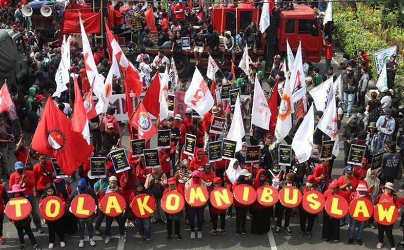 Protests_Indonesia_Tolak_Omnibus_Law.jpeg